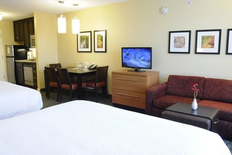 Redding TownePlace Two Queen Suite