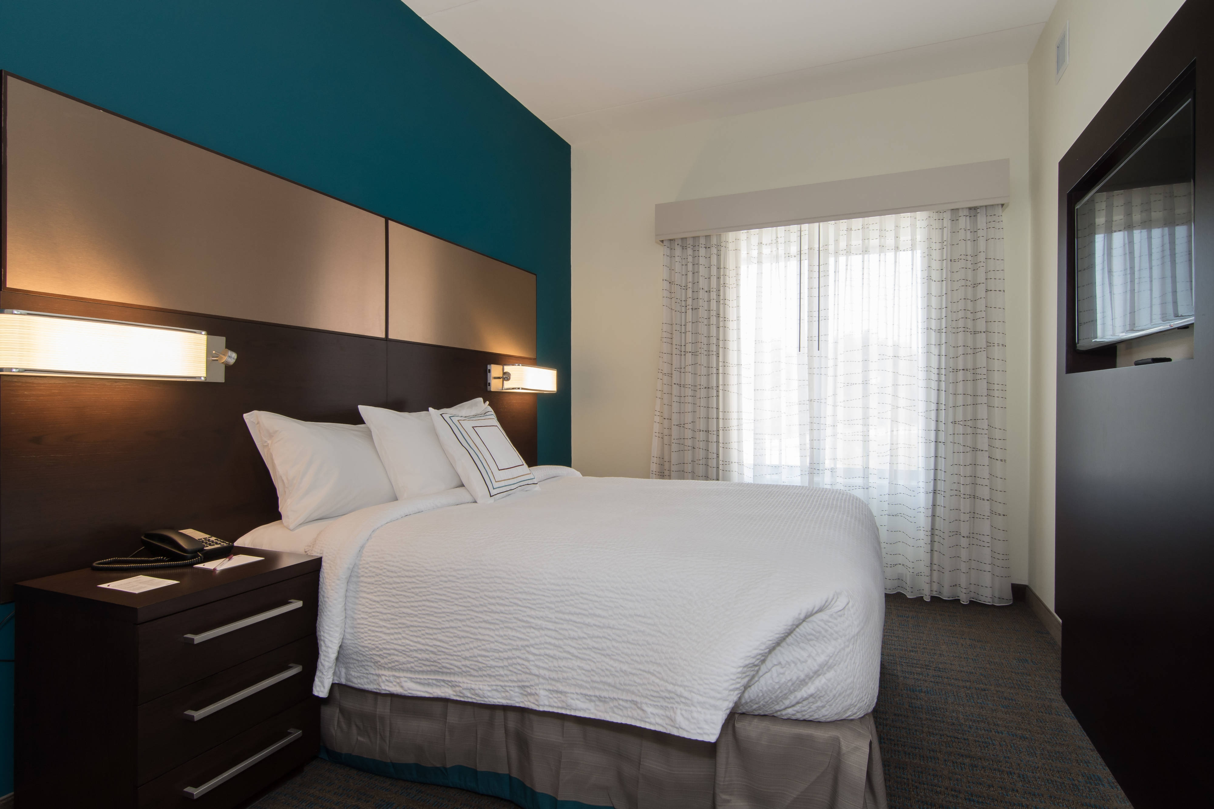 Queen Bed Two Bedroom Suite