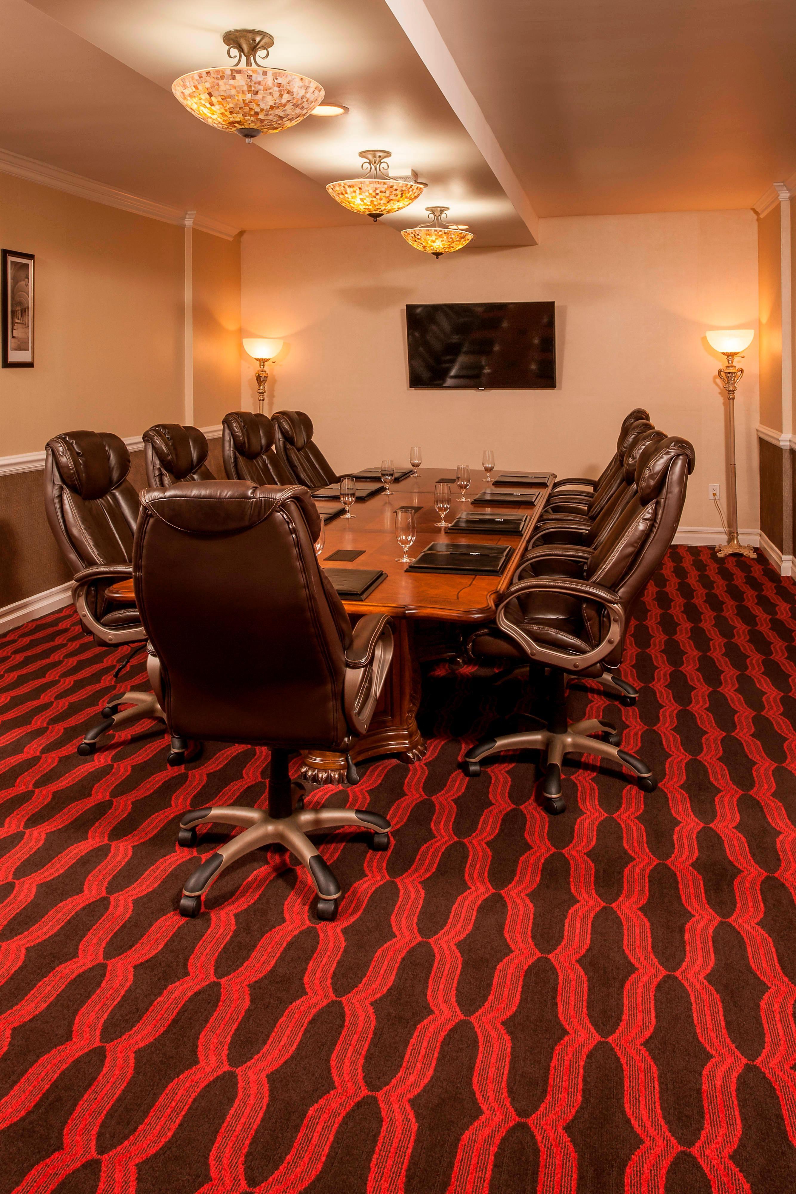 Vittoria Boardroom