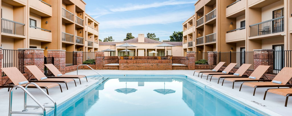 Cary nc hotel pool courtyard raleigh cary fitness center for Swimming pool supplies raleigh nc