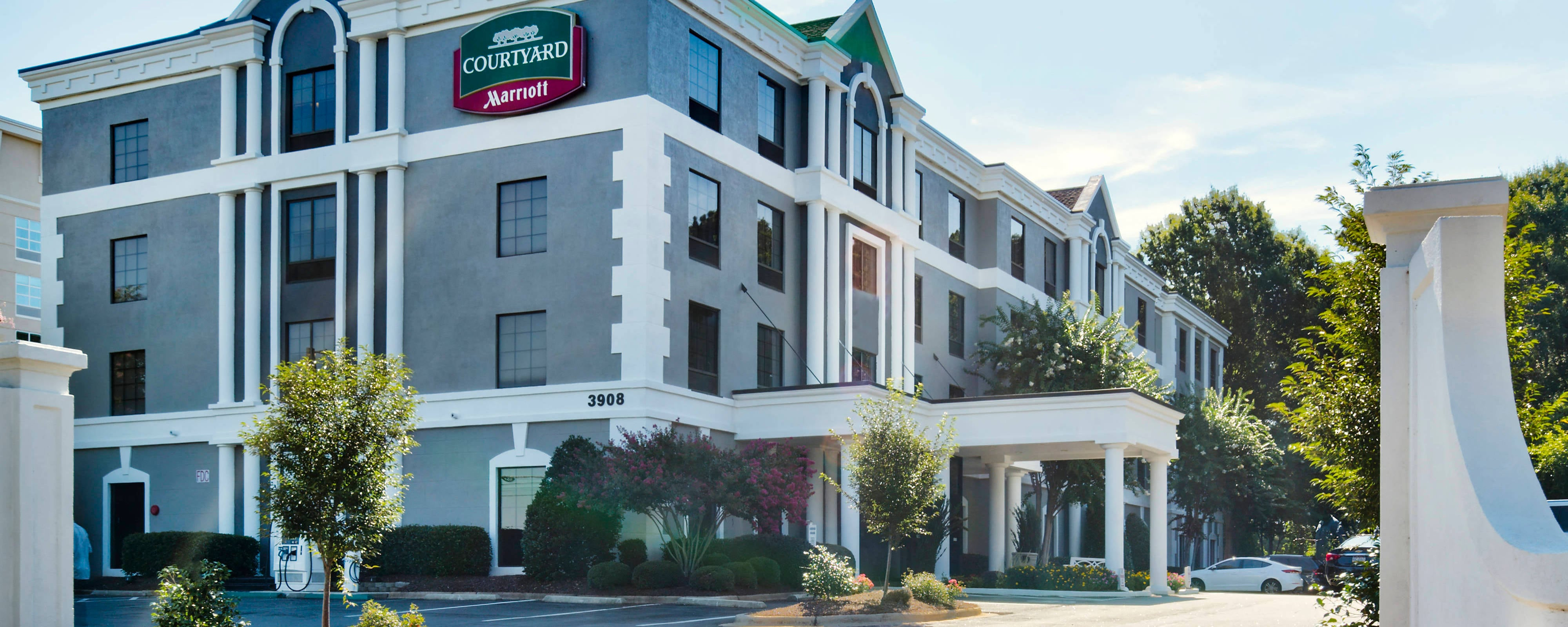 Hotel in Raleigh | Courtyard Raleigh Crabtree Valley, Raleigh, NC ...