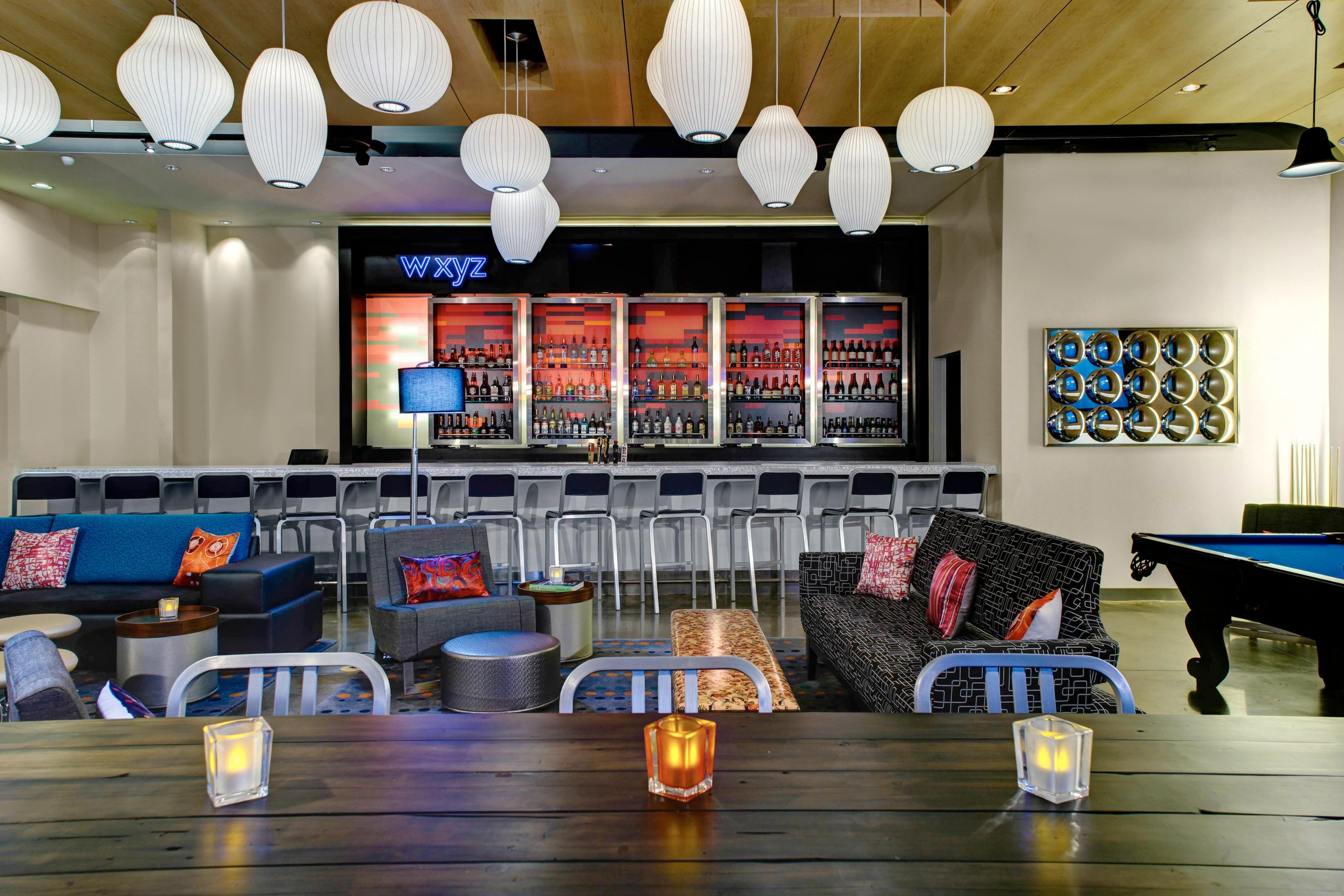Remix Lounge W XYZ Bar
