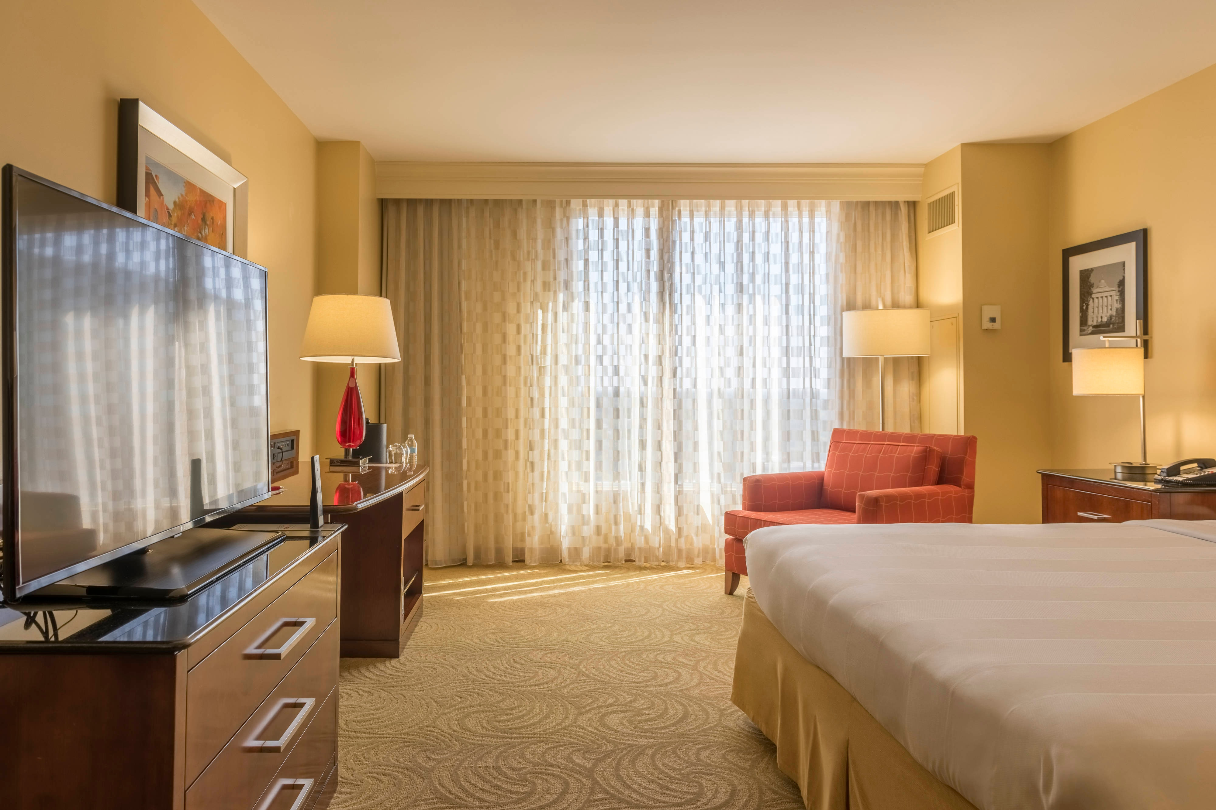 Rooms and Hotel Suites in Raleigh, NC | Raleigh Marriott City Center