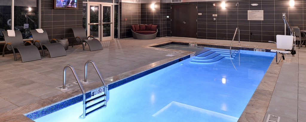 Hotelpool in Cary, North Carolina