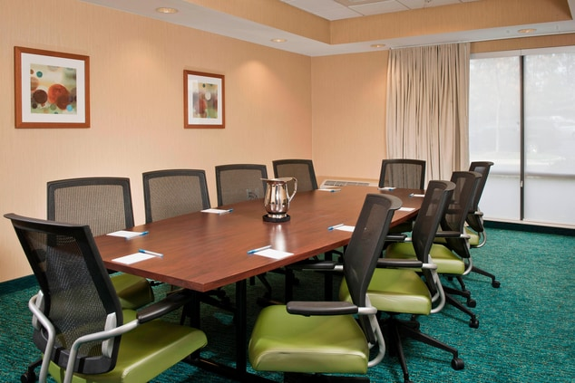 SpringHill Suites Raleigh-Durham Airport Boardroom