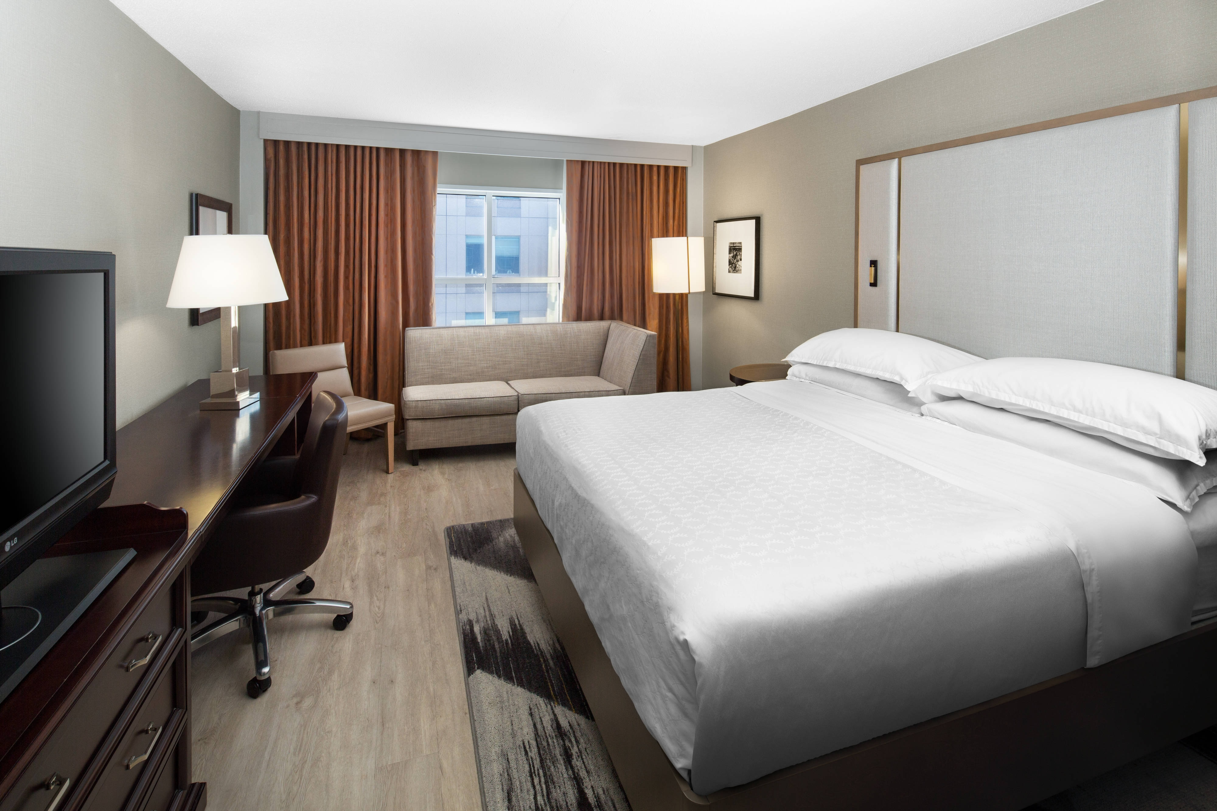 hotel in raleigh nc downtown raleigh hotel sheraton. Black Bedroom Furniture Sets. Home Design Ideas