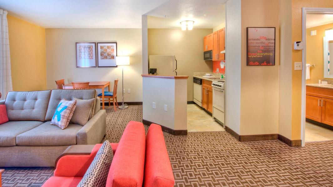 One-Bedroom Suite – Kitchen