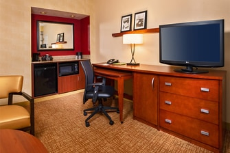 Suite Desk Area