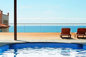 Spa - swimming Pool and deck