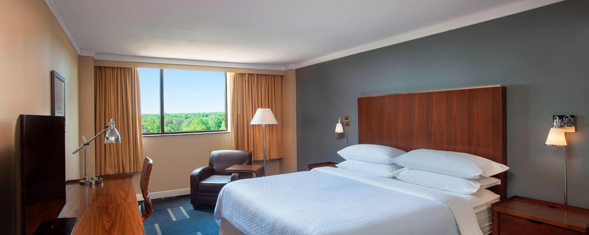 four points by sheraton richmond richmond spg. Black Bedroom Furniture Sets. Home Design Ideas