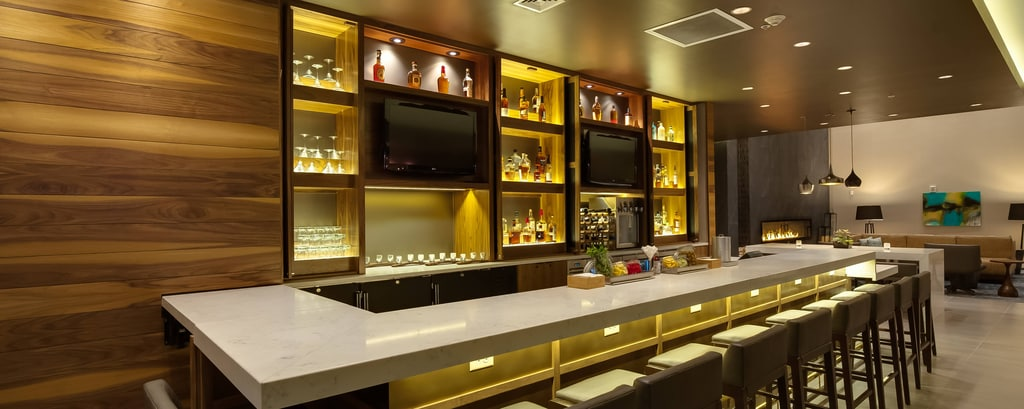Hotelbar in Glen Allen