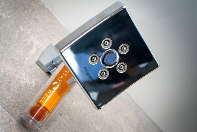 Glen Allen hotel shower