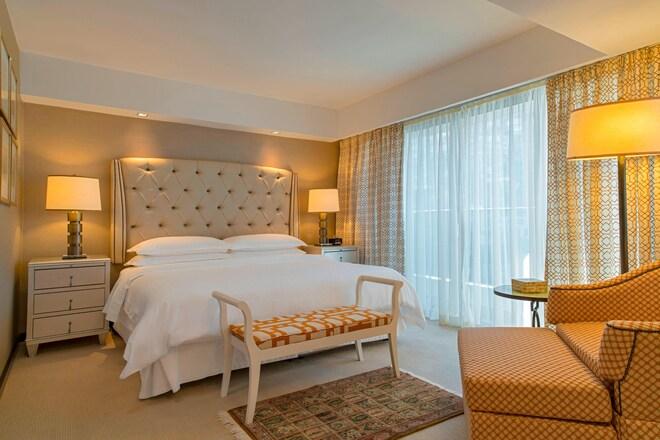 Petropolis Suite