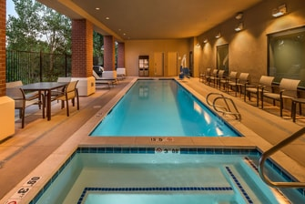 Downtown reno nevada hotels courtyard reno downtown - Reno hotels with indoor swimming pool ...