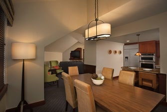 Two- and Three-Bedroom Penthouse Dining Area