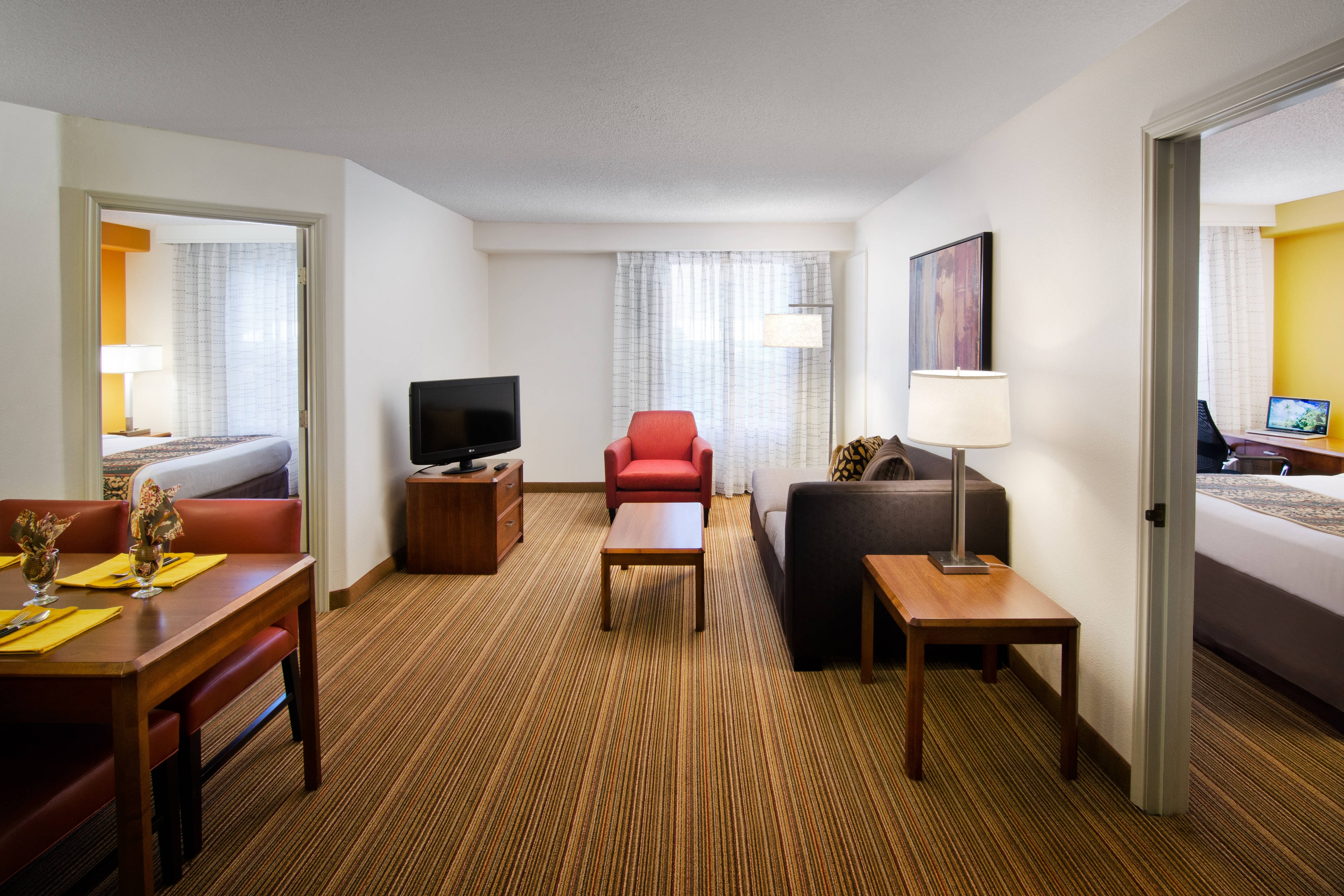 Suites in reno residence inn reno for Which hotels have 2 bedroom suites