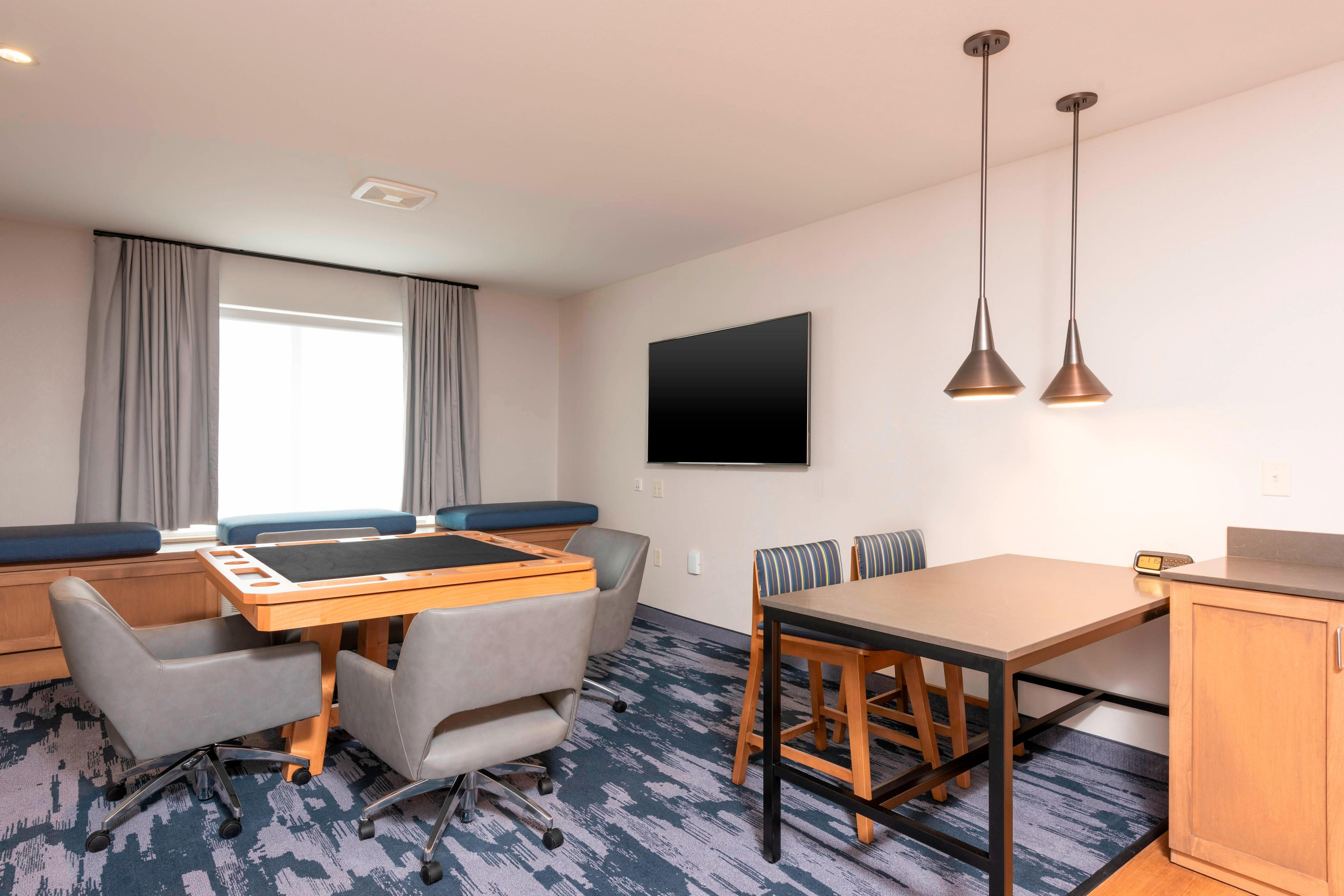 Entertainment Suite- Seating Area