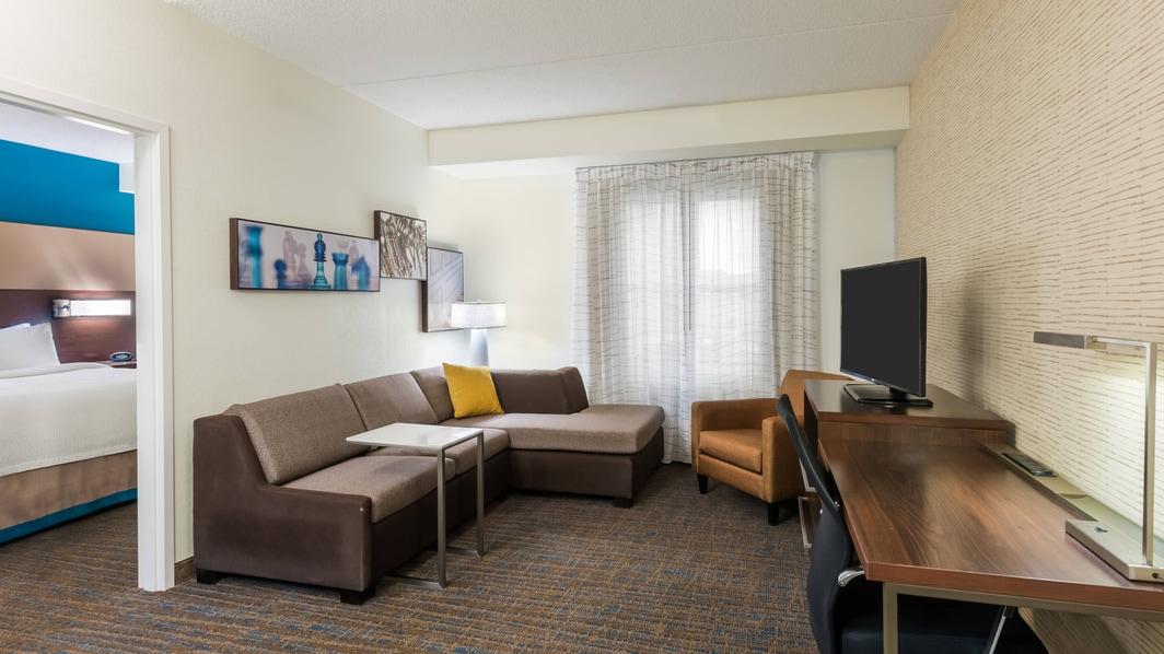 Zona de estar de la suite de dos dormitorios