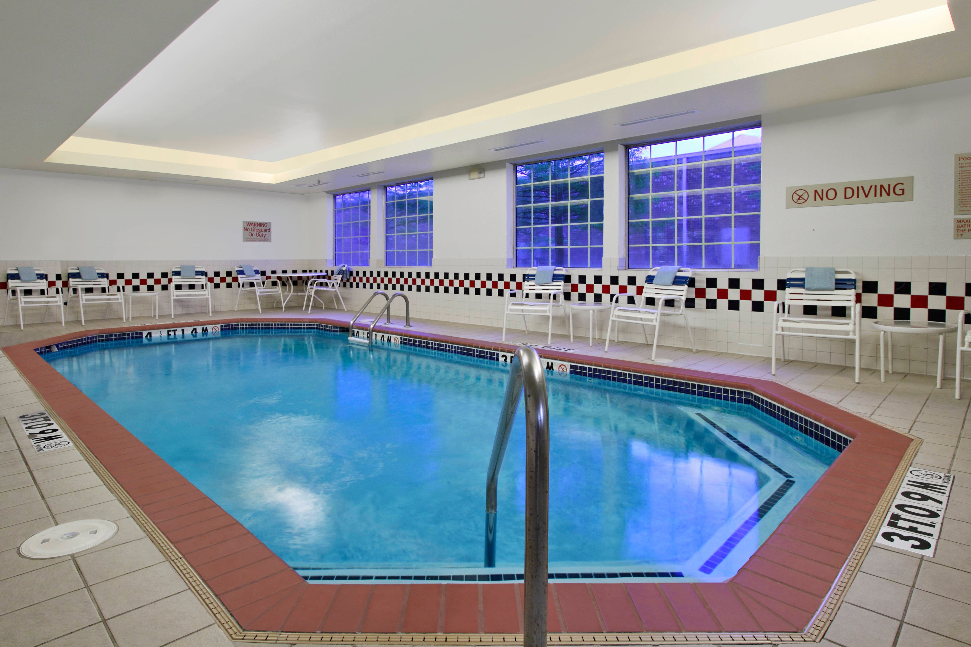 hotel with pool in bentonville