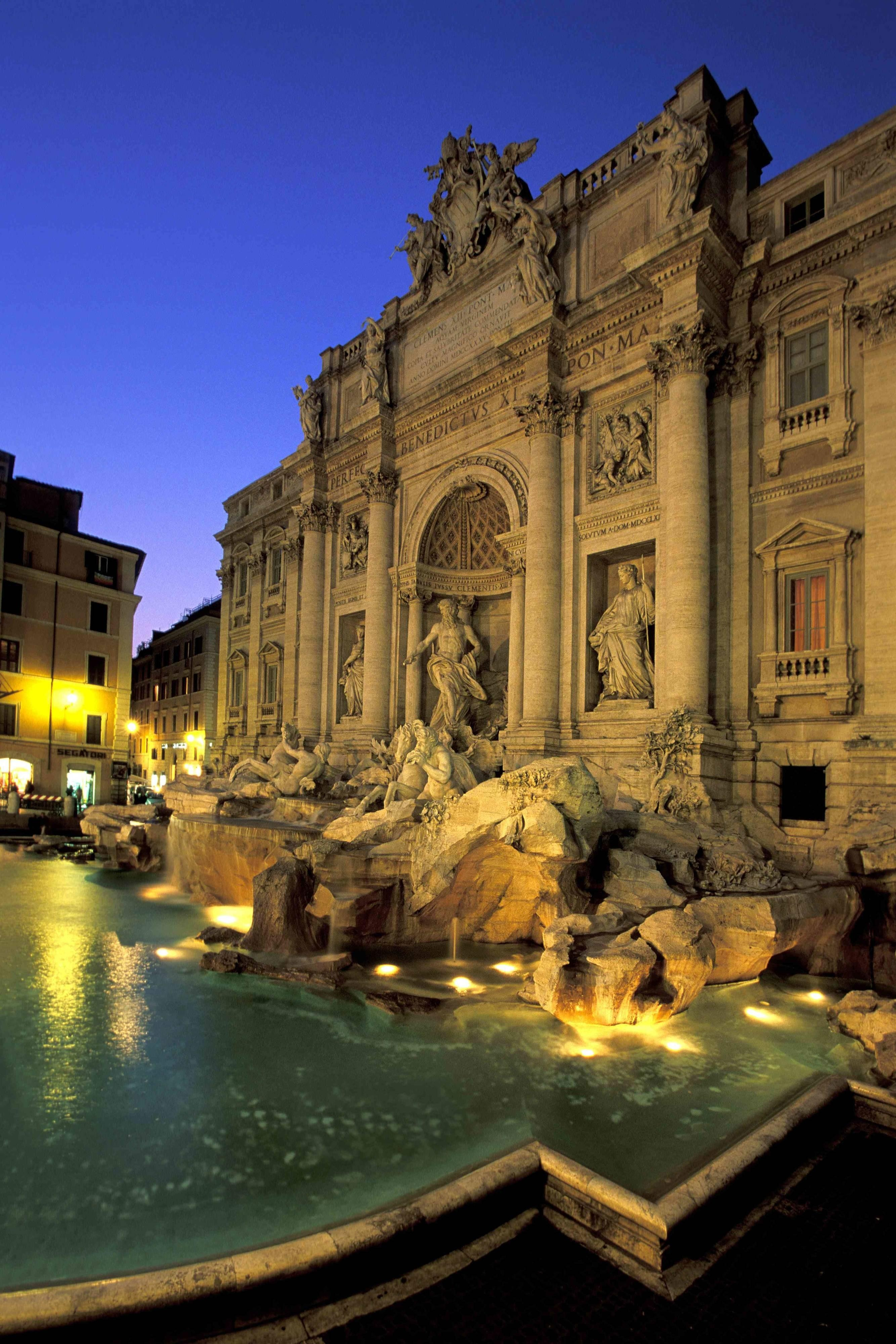 Fontana di Trevi and the Dolce Vita in Rome, Italy