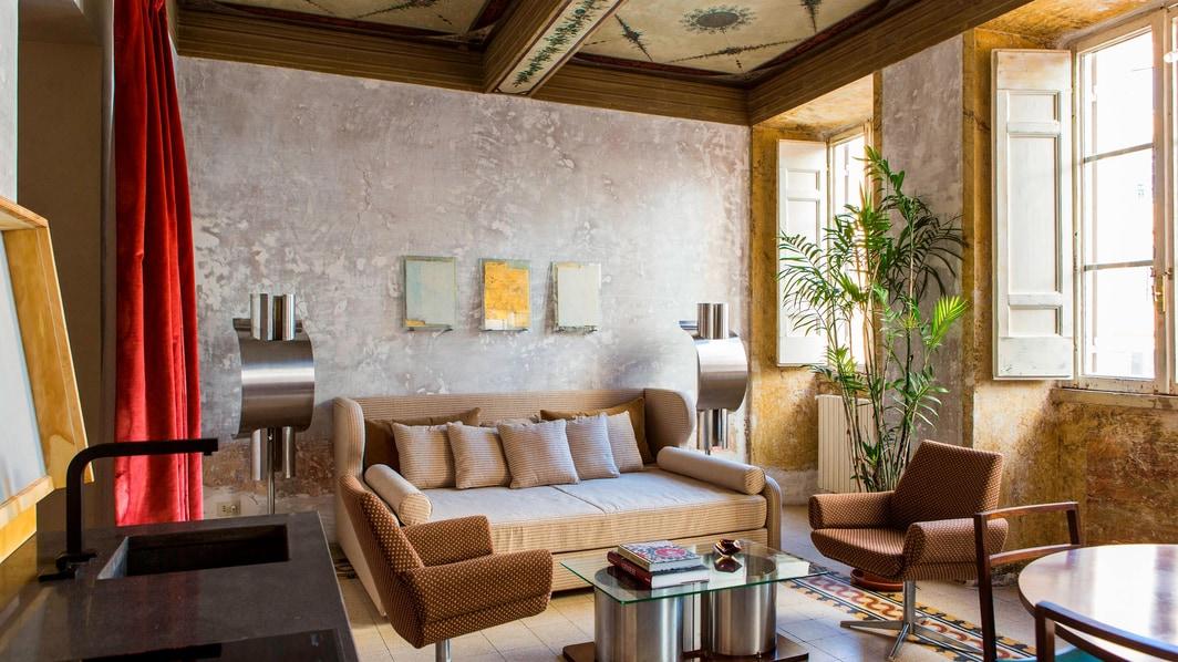 Suite Apartment Living Area