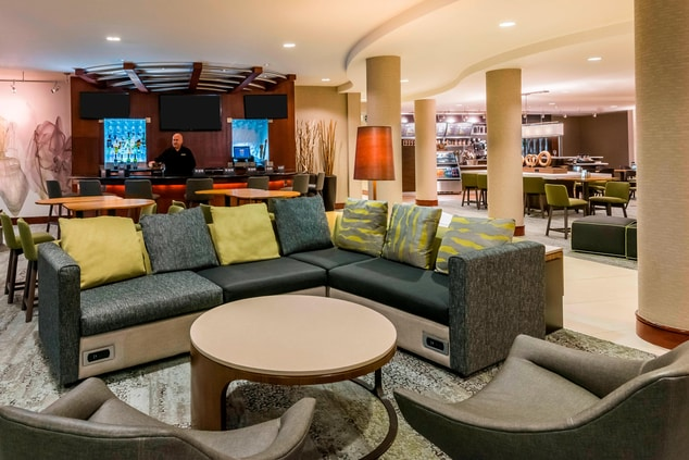 Fort Myers Hotel Lounge