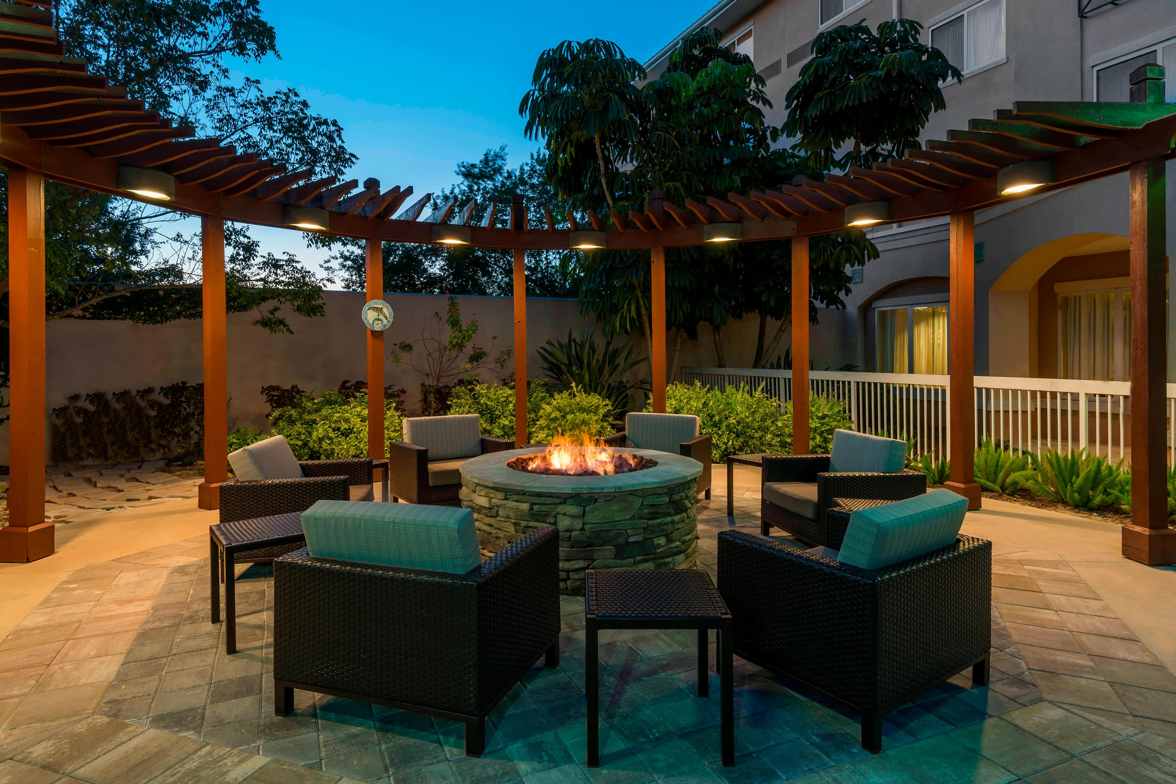 Hotel Fire Pit in Fort Myers FL