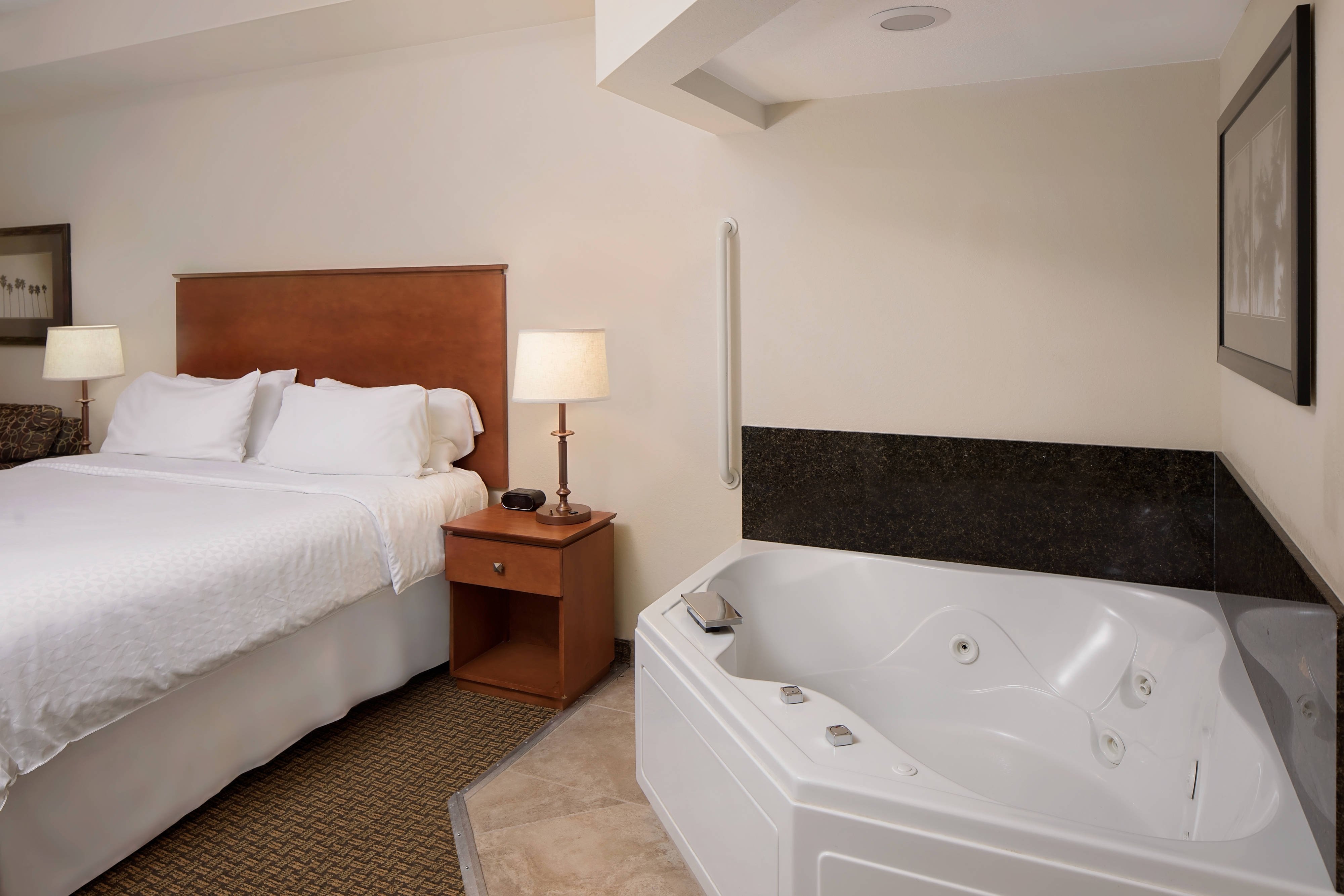 Guest Room with Whirlpool Tub