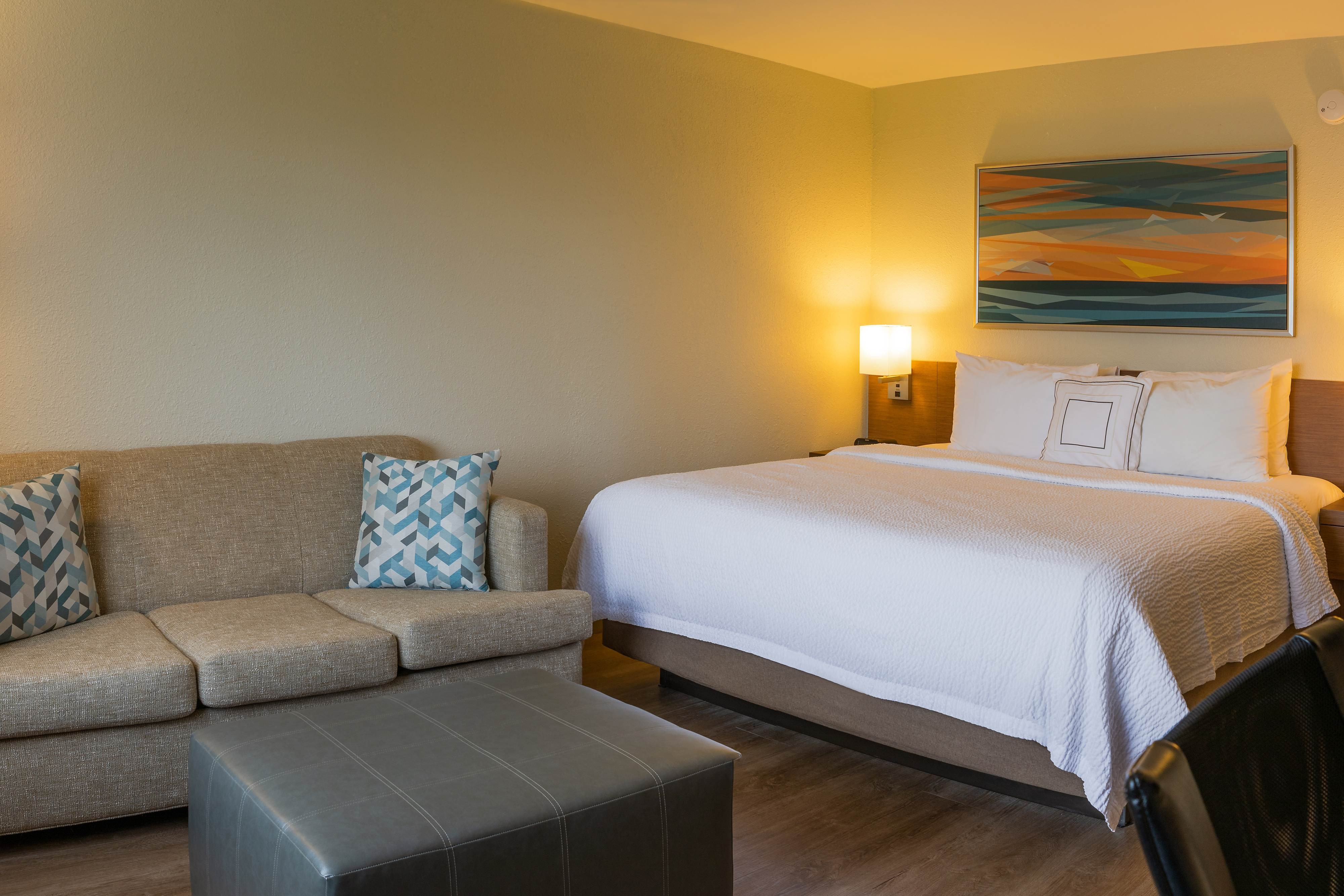 Naples Fl Hotels Near Beach And Downtown Courtyard Naples