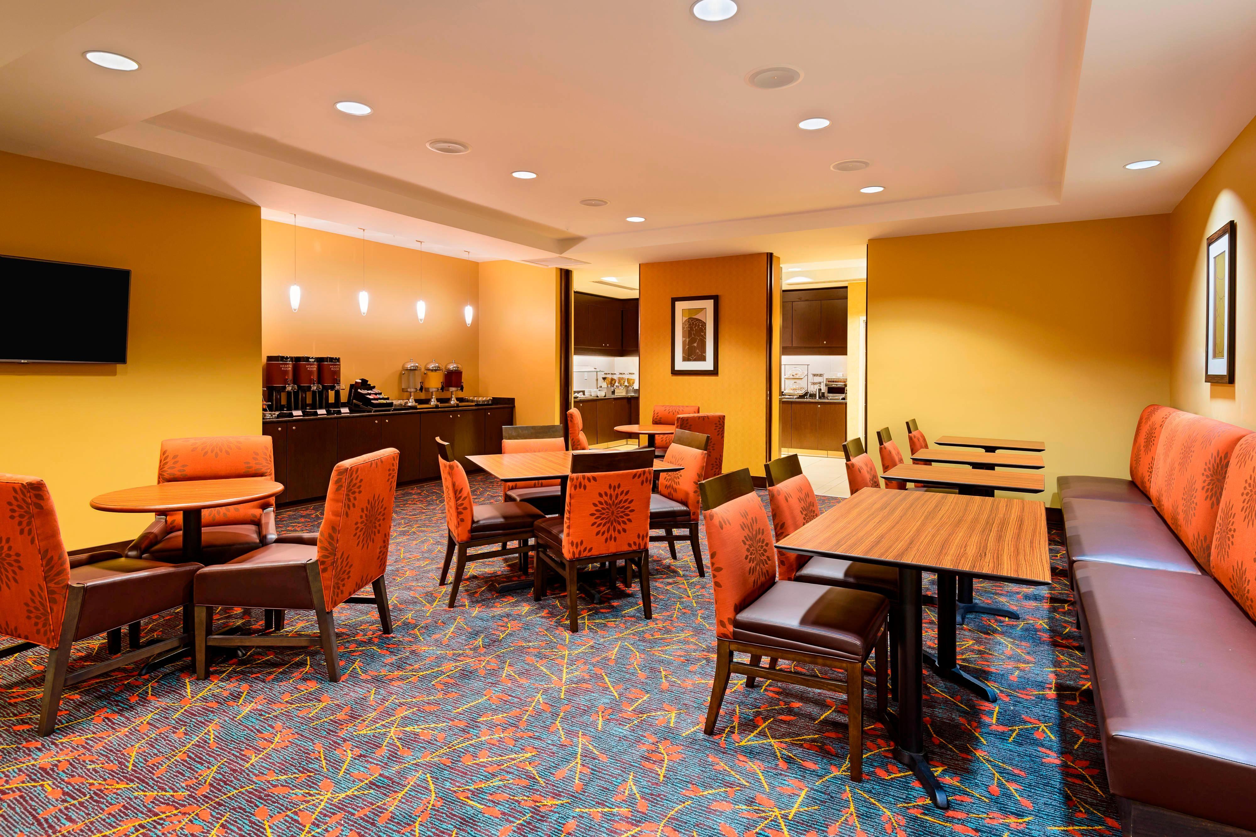 fort myers hotel free breakfast