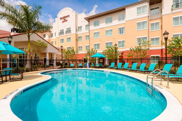 fort myers hotel pool