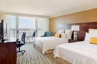 Queen/Queen Guest Room Captiva Tower