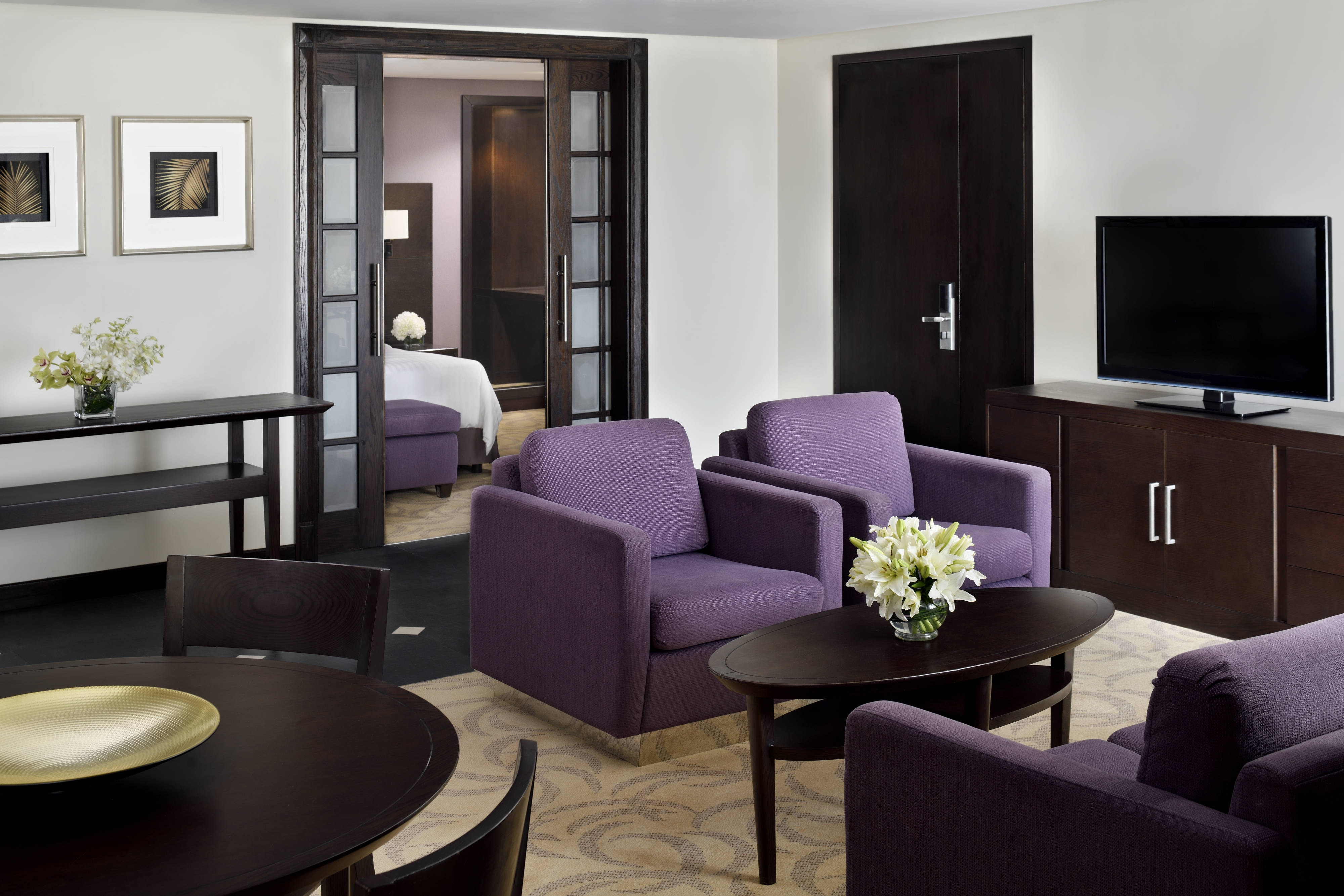 Counsel King Suite Living Area