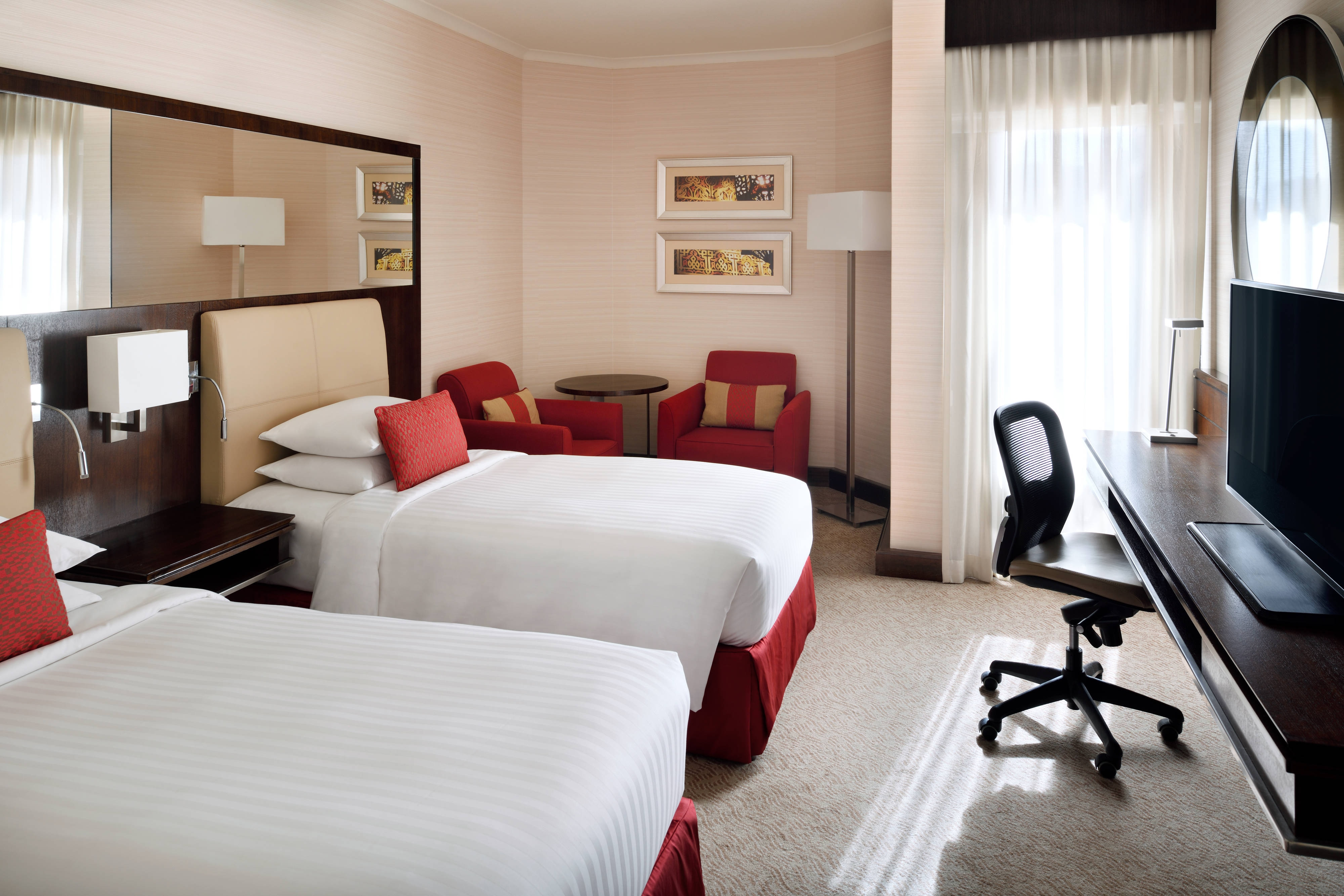 Executive Twin/Twin Guest Room