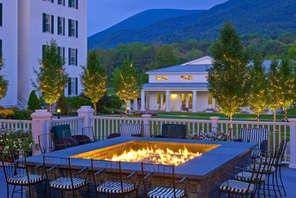 Vermont Hotel Falcon Bar Fire Pit