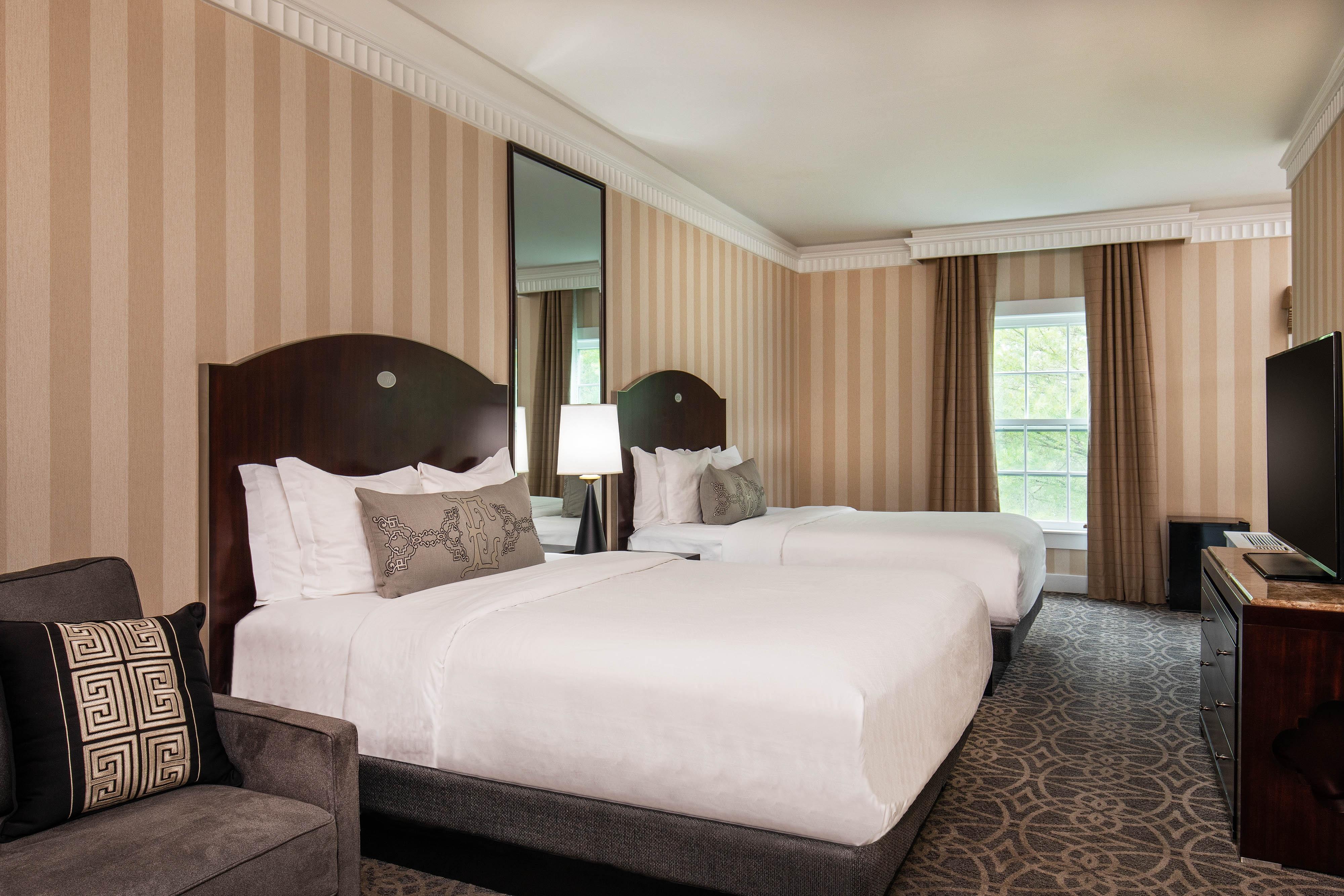 Queen/Queen Premier Guest Room