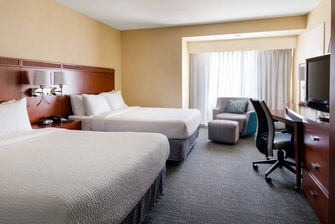 Queen/Queen Guest Room - Sleeping Area - Courtyard Sacramento Cal Expo