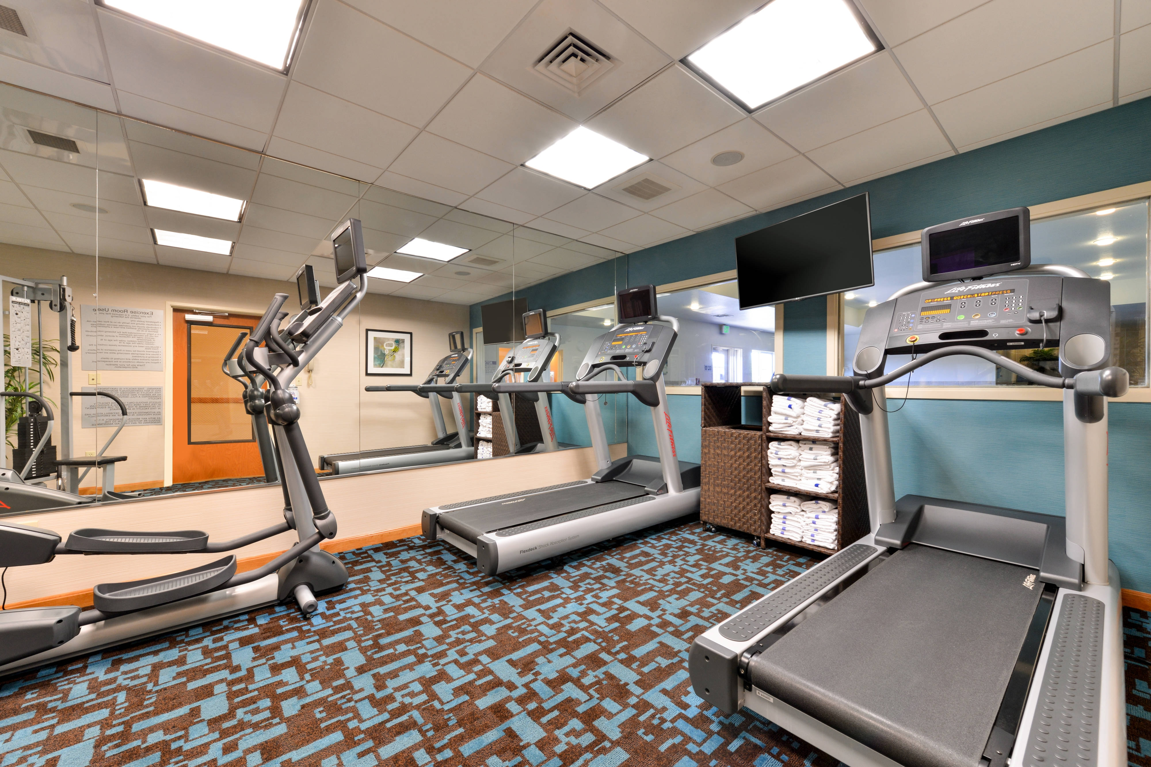 Elk Grove Hotel Fitness room