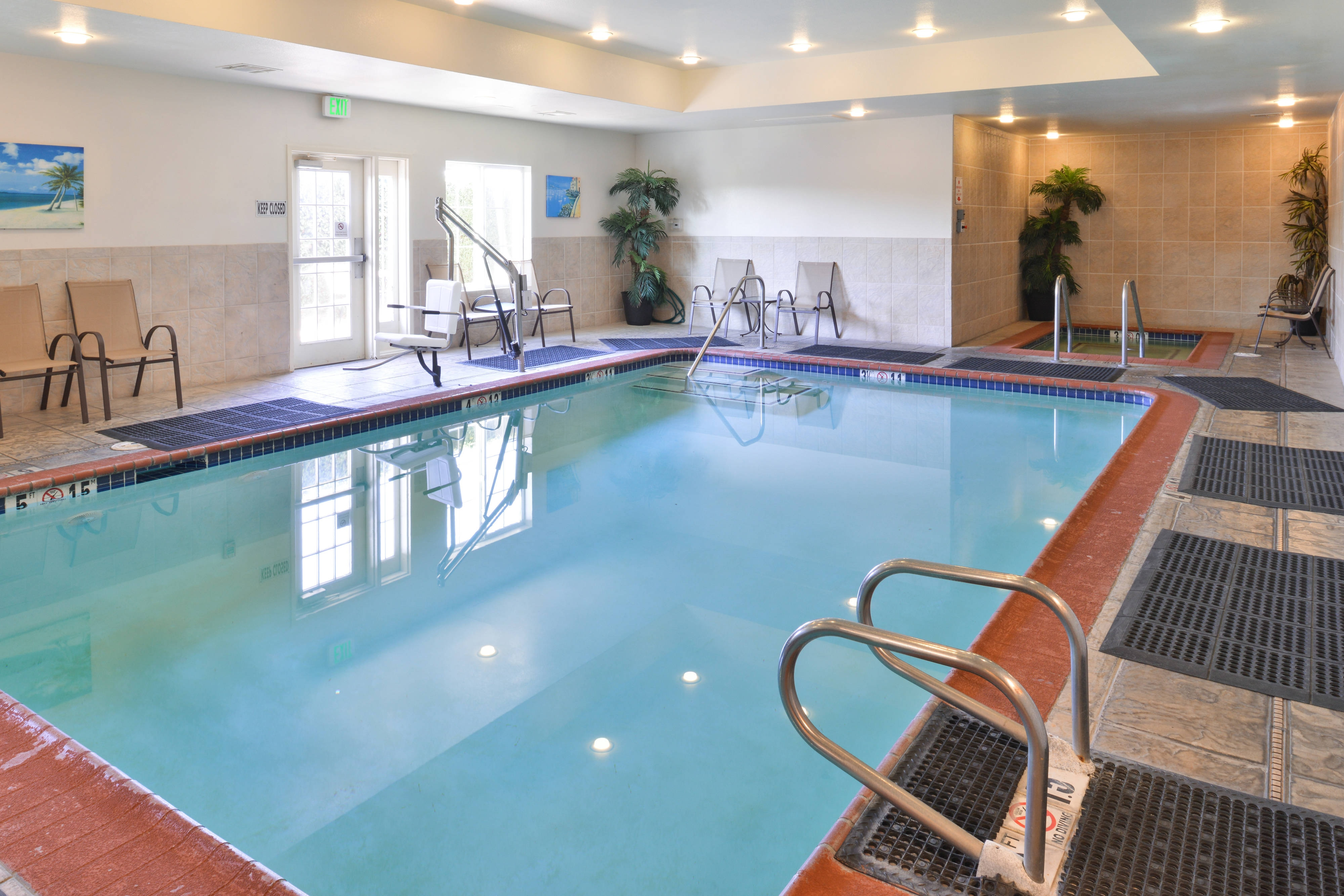 Elk Grove Hotel Indoor Pool
