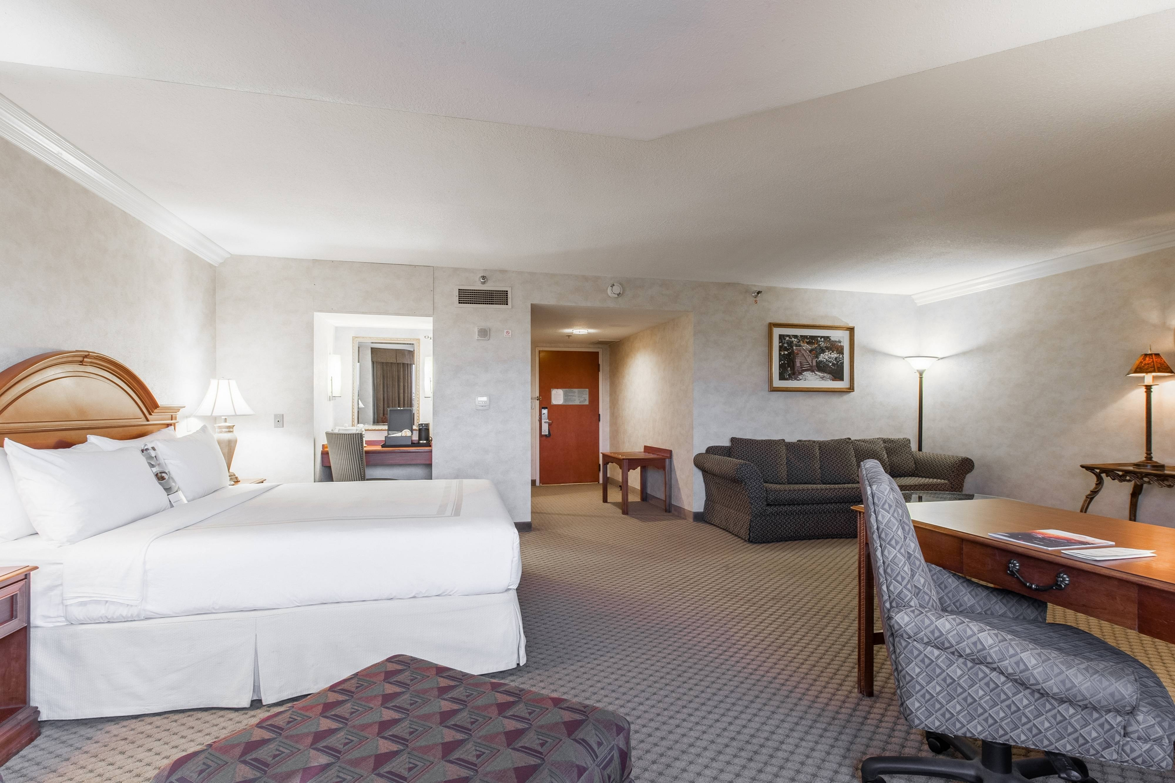 Executive Junior King Suite