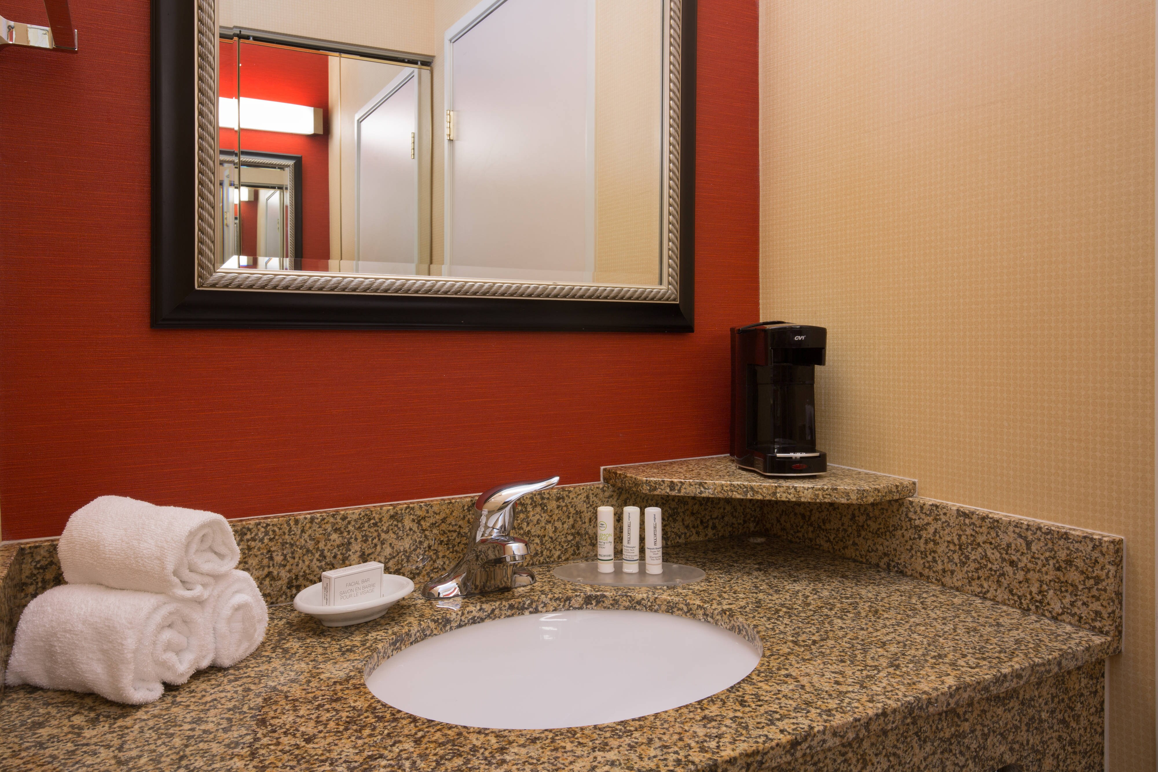 Roseville California Hotel Guest Bathroom