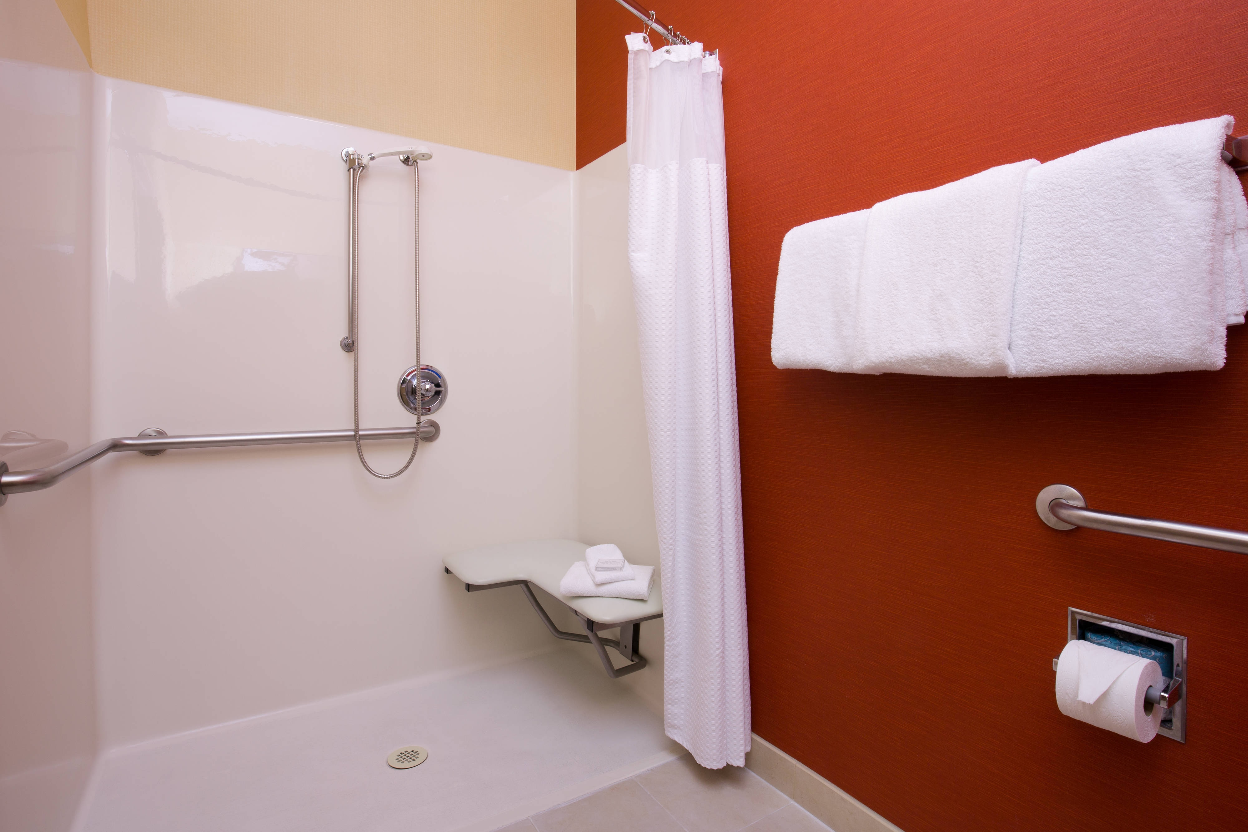 Roseville California Hotel Accessible Shower