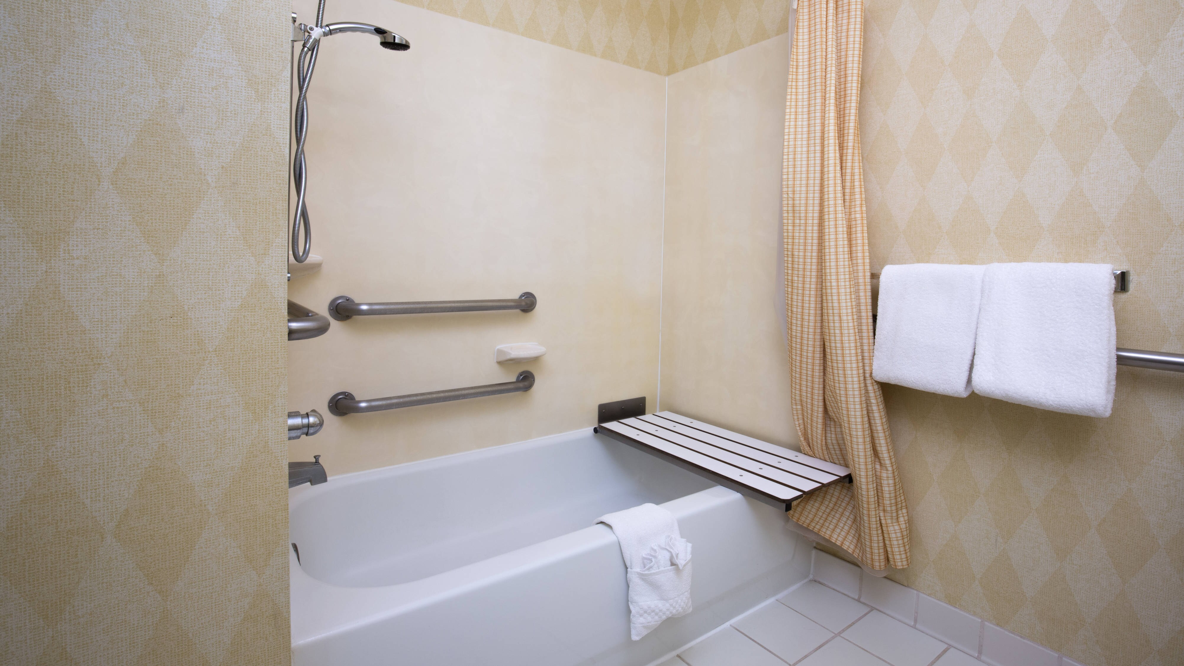 Vacaville California Hotel Accessible Bathroom