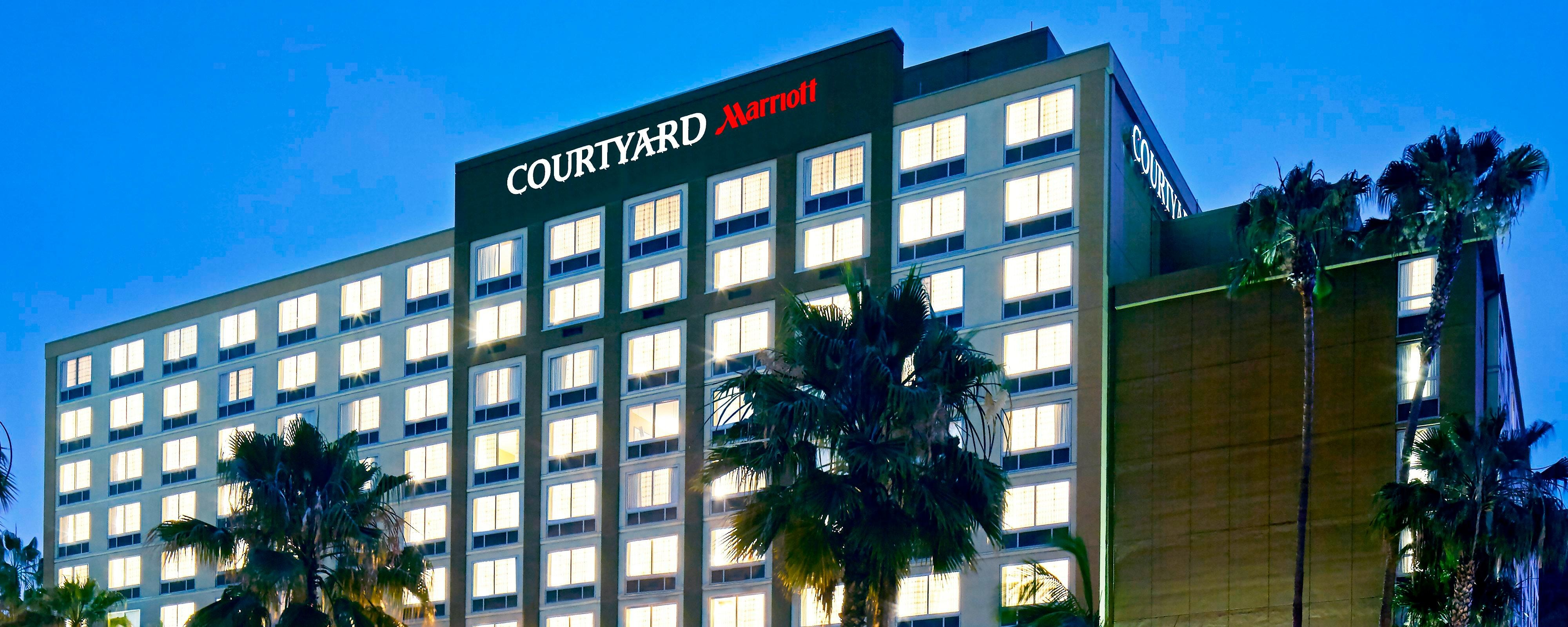 Hotels In San Diego >> Mission Valley Hotels Courtyard San Diego Mission Valley