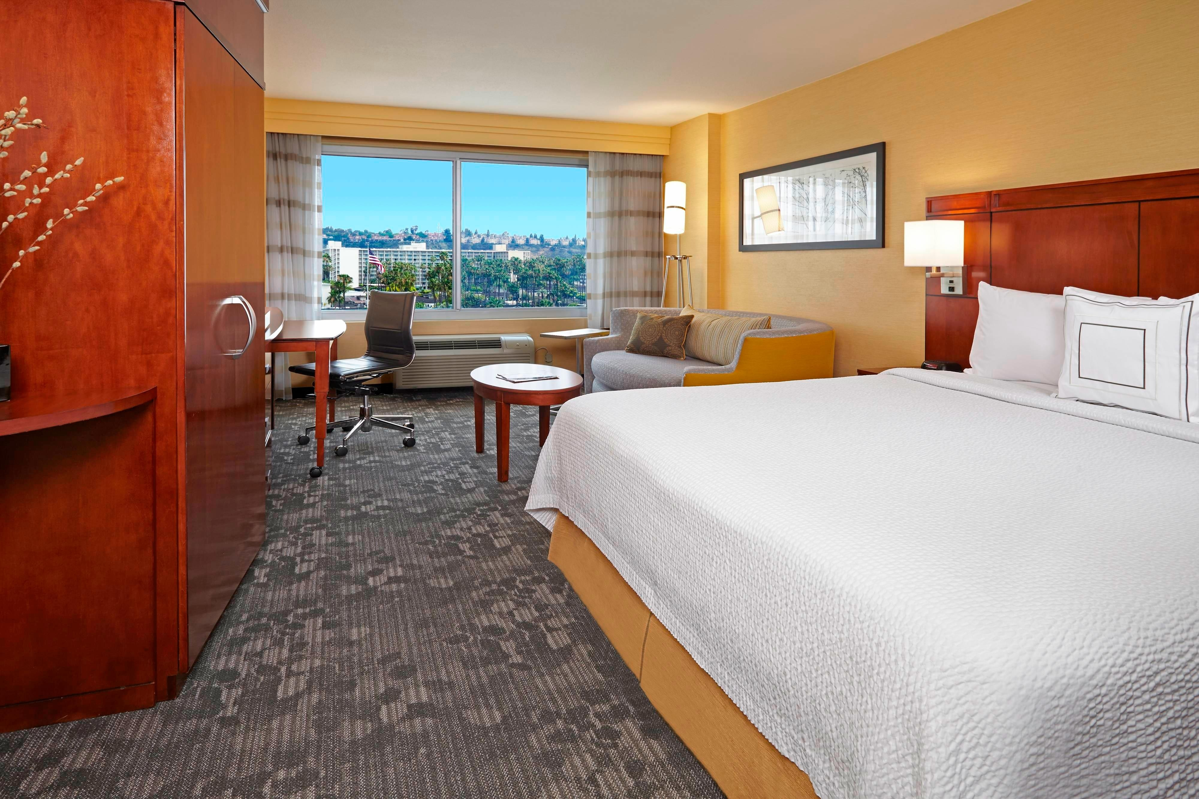 h tel marriott san diego h tel courtyard by marriott. Black Bedroom Furniture Sets. Home Design Ideas