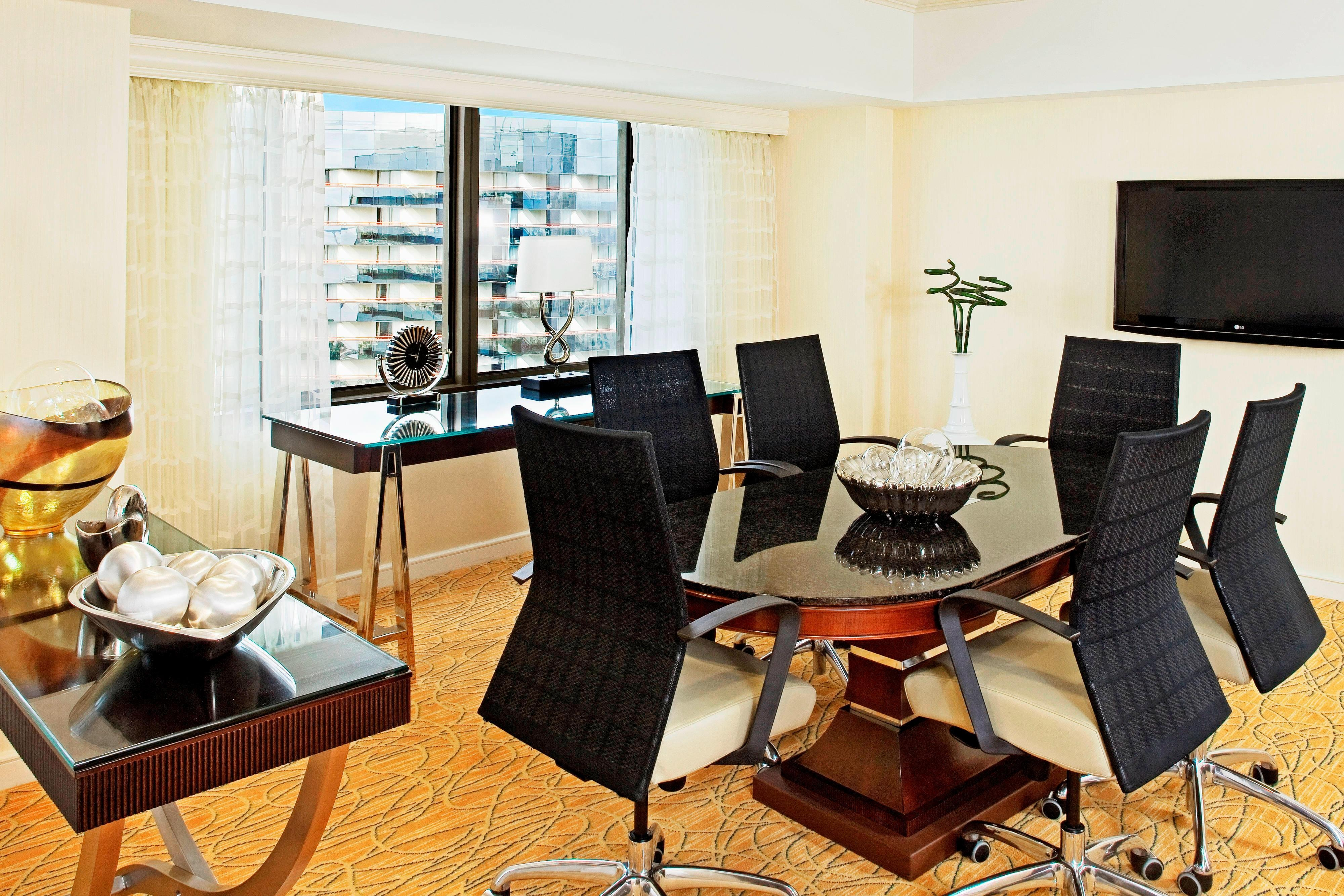 Deluxe Suite Meeting Table