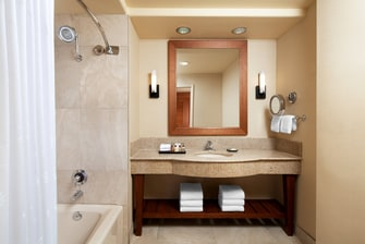 Deluxe Executive Bathroom