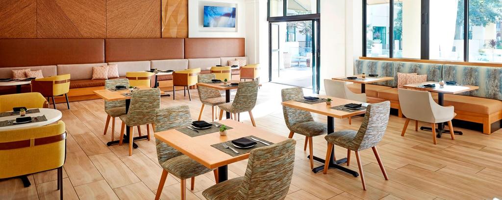 The Den Mission Valley Bar Restaurant San Diego Marriott