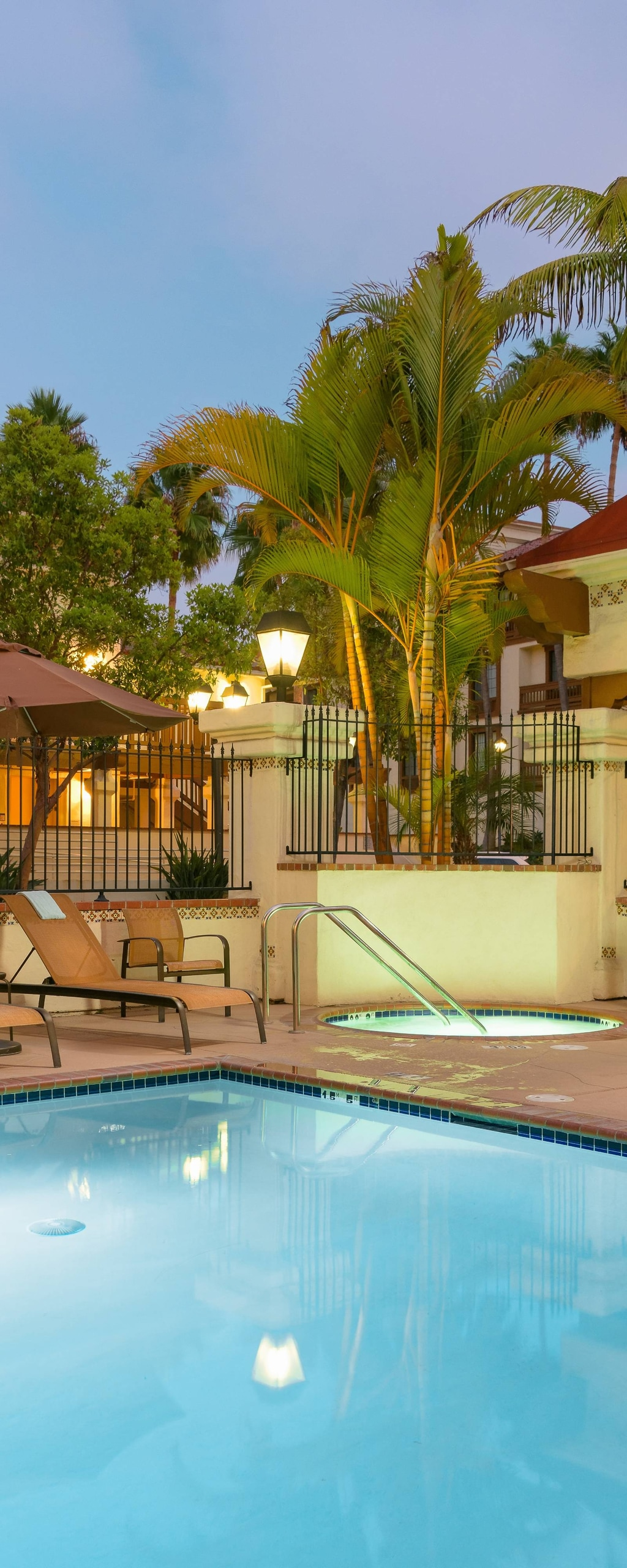 Old Town San Diego Hotels With Pool And Gym Courtyard San Diego Old Town