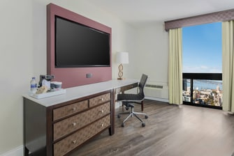 Queen/Queen and King Bay View Guest Room Desk Area
